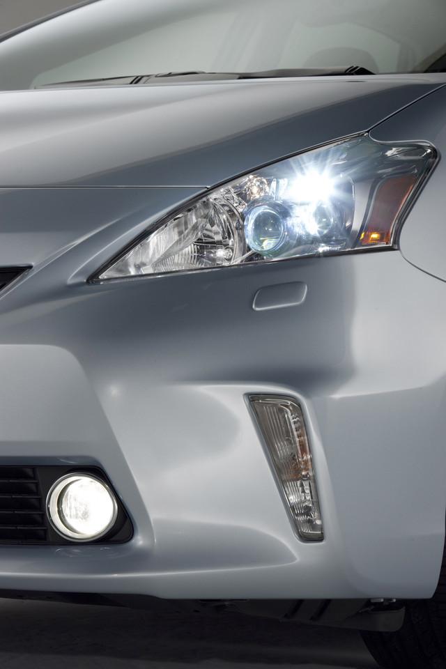 Foto de 2011 Toyota Prius v (42/77)