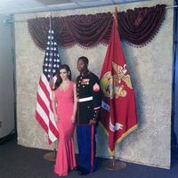Kim Kardashian es una gran patriota y si hace falta salir con un marine, se sale
