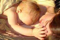 """""""Lo mejor para una mujer, su bebé y su familia no siempre será amamantar 5 años"""", entrevista a la antropóloga Kathy Dettwyler"""
