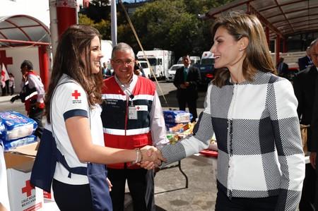 Doña Letizia estrena look en México y la chaqueta es la gran protagonista (con permiso de los pendientes de Chanel)