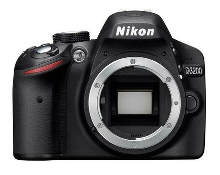 Nikon D3200 de frente