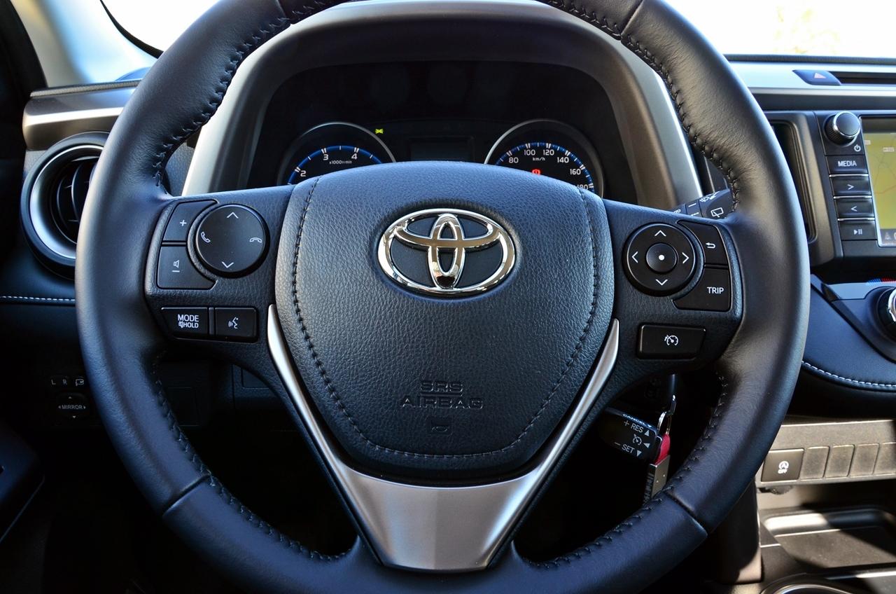 Foto de Toyota RAV4 150D Advance (6/75)