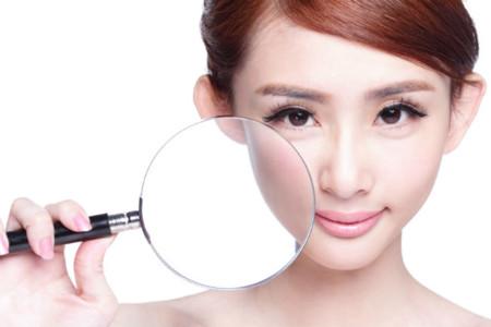 Algunos sencillos gestos que nos ayudarán a mantener la piel joven