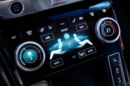 Jaguar I-PACE mandos interior