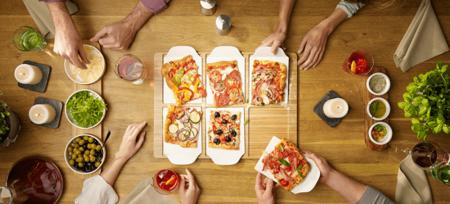 Todo lo que necesitas (además de una buena pizza) para celebrar en condiciones el día mundial de la pizza