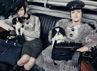A Louis Vuitton le gusta el estilo militar más femenino