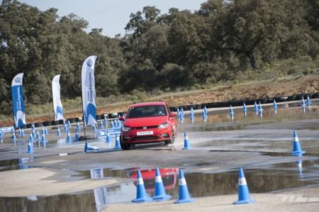 Volkswagen Driving Experience Escuela R 023