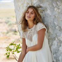 El look total white se instala en la nueva colección de Urban Outfitters, ¿preparada para el verano?