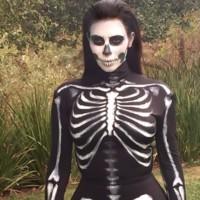 Kim Kardashian Esqueleto Halloween 2014
