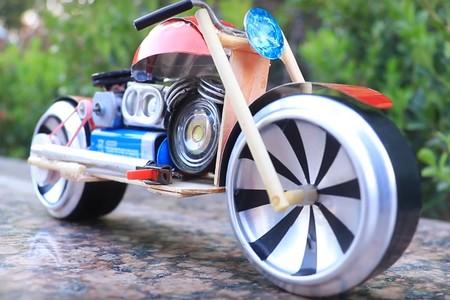 Moto Juguete Reciclaje