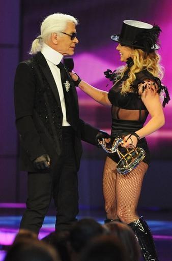 Britney Spears, el nuevo clon de Madonna, y Karl Lagerfeld: la extraña pareja