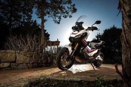 Honda podría estar trabajando en un X-ADV 300, desarrollado sobre la plataforma del Forza 300