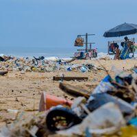 El océano está lleno de basura: estos son los objetos más encontrados a nivel mundial y (spoiler) muchos son de plástico