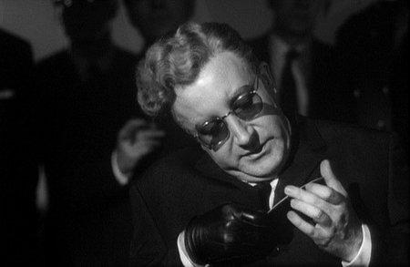 Stanley Kubrick: '¿Teléfono rojo?, volamos hacia Moscú'