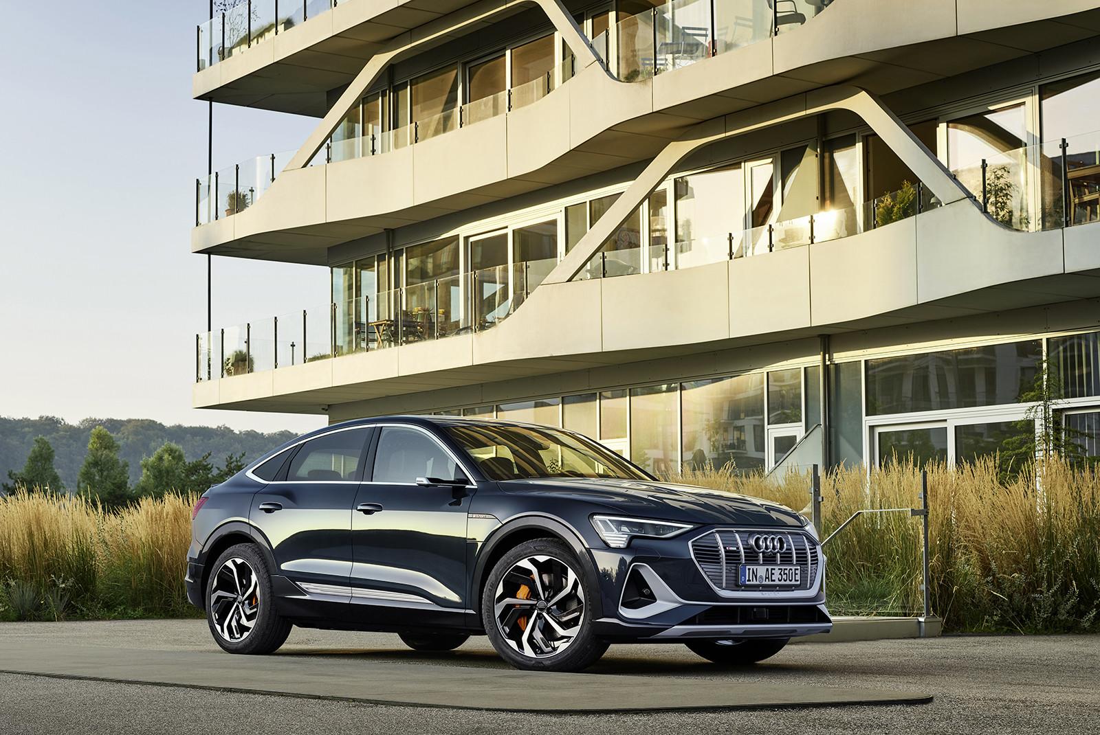 Foto de Audi e-tron Sportback (12/57)