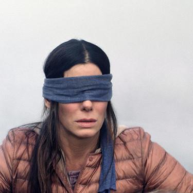 """Así es """"A Ciegas"""", la película de Netflix que ha generado un nuevo (y peligroso) challenge en redes sociales"""