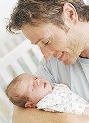 Los futuros padres también sufren náuseas matutinas