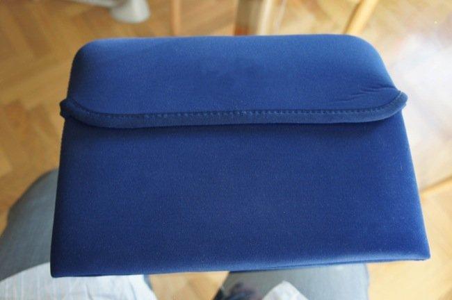 La funda con el iPad 2 en su interior