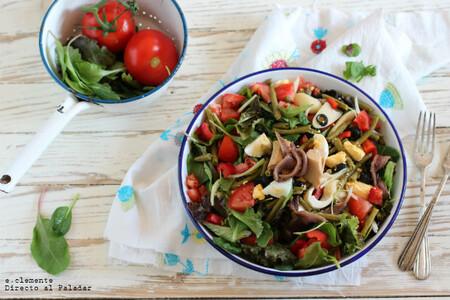 Ensalada niçoise o nizarda: receta tradicional francesa, tan completa que sirve como plato único