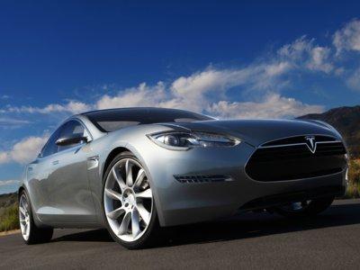 Google estuvo a punto de comprar Tesla en 2013 por 6.000 millones de dólares, según Bloomberg
