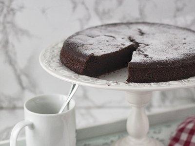 Chocolate Cola Cake. Un denso bizcocho cuya receta no te querrás perder
