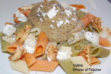 Macarrones de verduras con salsa de berenjena
