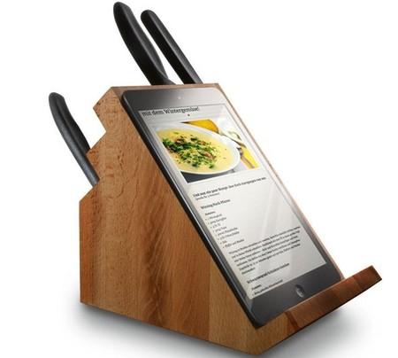 victorinox nos propone un taco para los cuchillos que sirve de soporte para el ipad. Black Bedroom Furniture Sets. Home Design Ideas