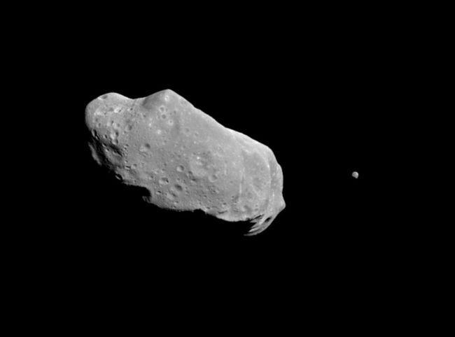 Un asteroide 'rozará' la Tierra este viernes