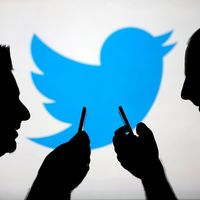 """No, Twitter no va a añadir un botón de """"editar tuit"""" por retuitear a nadie (Cazadores de Fakes)"""