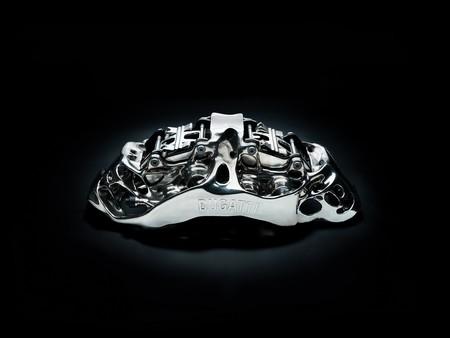 No es capricho. Los calipers del Bugatti Chiron se imprimen en 3D por resistencia y ligereza