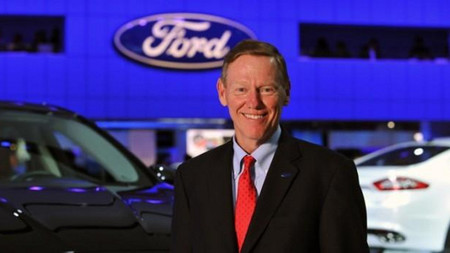 Ford vuelve a negar la marcha de Mulally, vía libre para otros candidatos a CEO de Microsoft