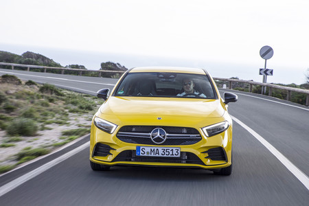 Mercedes-AMG A35 frontal