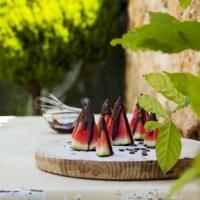 Fresca y sabrosa receta de barcos de sandía, chocolate negro y flor de sal