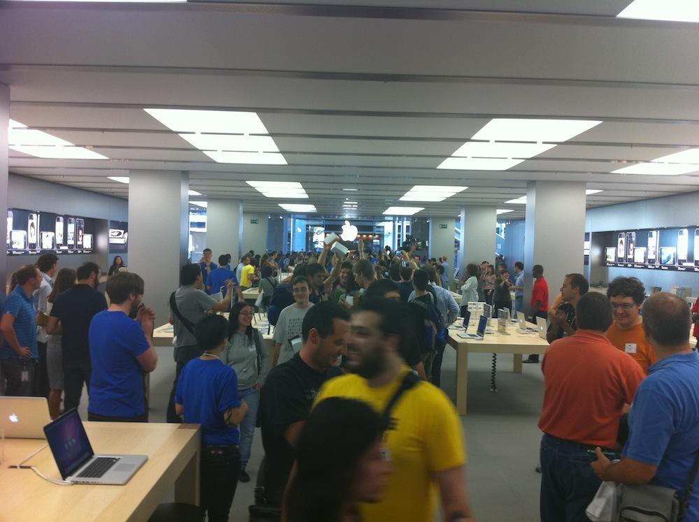 Foto de Inauguración Apple Store La Maquinista (54/93)