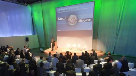 Los accionistas de Nokia votan hoy la venta de la división de dispositivos y servicios a Microsoft