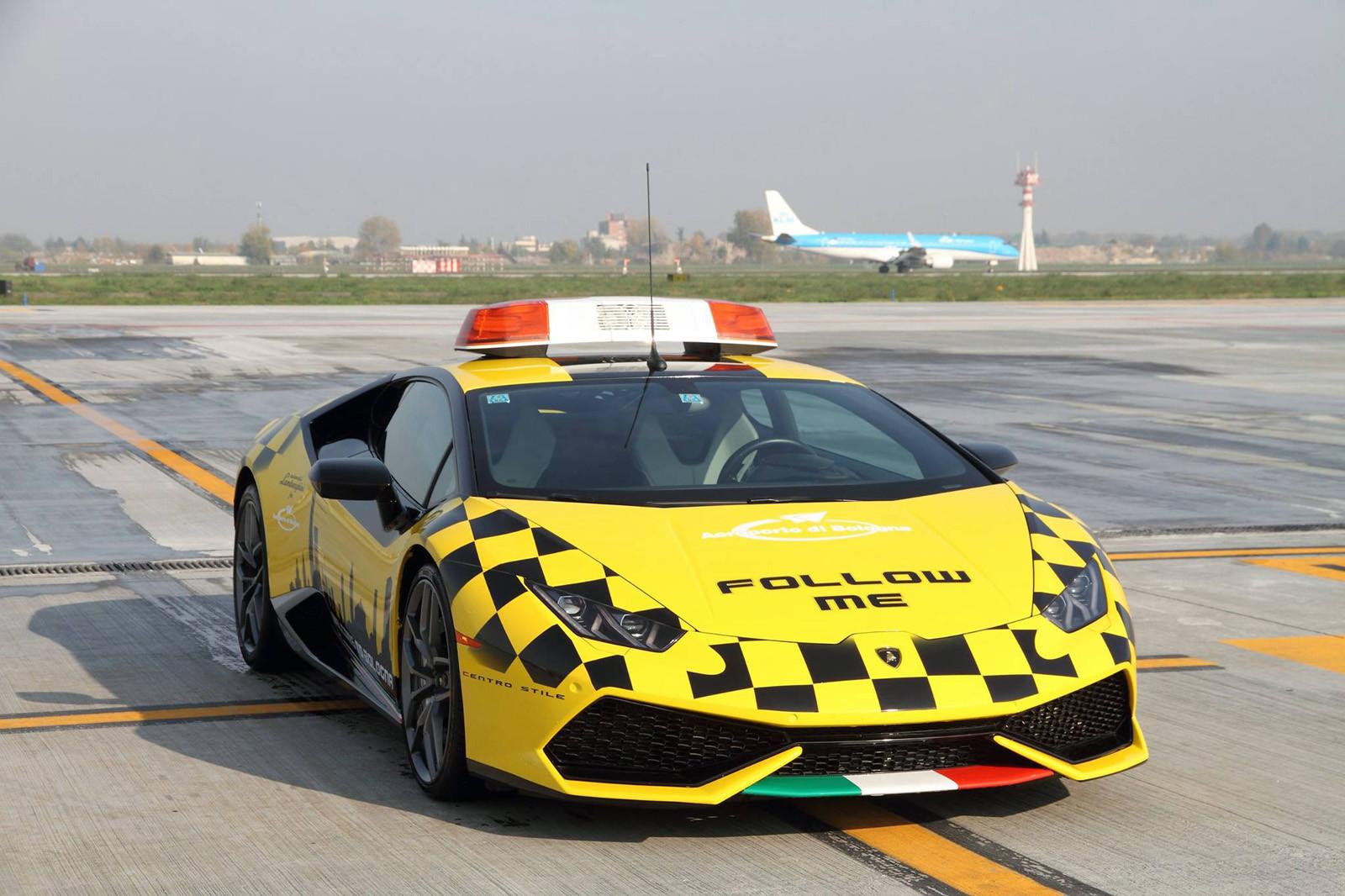 Lamborghini Huracán en el Aeroporto Marconi di Bologna