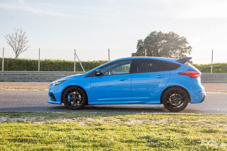 Ford Focus RS Performance lateral