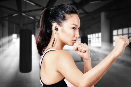 Los audífonos LUXA2 Lavi O entregan el mejor audio mientras nos ejercitarnos