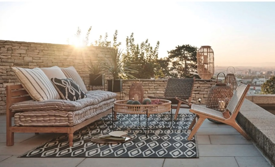 Silla de jardín Nairobi de acacia maciza y resina trenzada