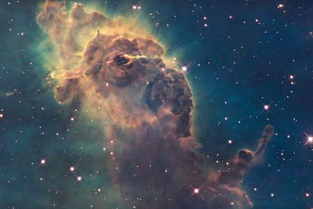 Por qué el color de las fotos en el espacio, las mejores fotografías de gatos, pastillas en el agua y más: Galaxia Xataka Foto
