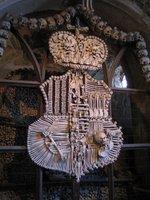 El osario de Sedlec (II): huesos, huesos y más huesos