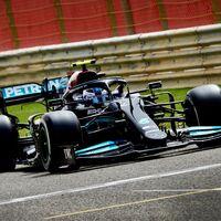 Valtteri Bottas maquilla los problemas de Mercedes y Fernando Alonso debuta con el Alpine en Baréin