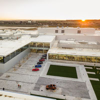 Jaguar Land Rover inaugura su nueva factoría en Eslovaquia: hasta 100.000 coches al año en 2020
