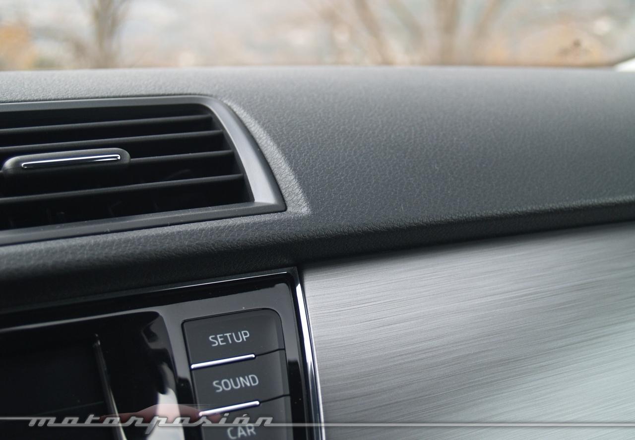 Foto de Škoda Fabia Combi 2015 (toma de contacto) (15/16)