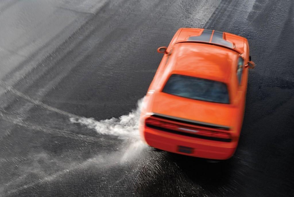 Foto de Dodge Challenger SRT8 (49/103)