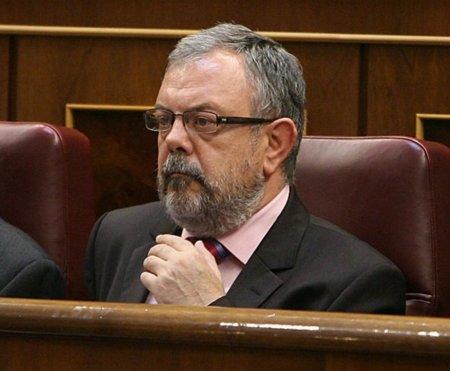 El diputado del PNV que presume de enviar a la papelera los mails de los ciudadanos