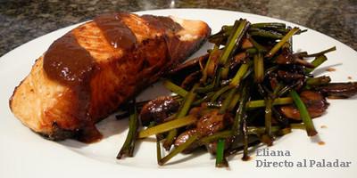 Churrasco de salmón con salsa de tamarindo