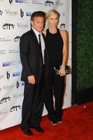 Lo bueno se hace esperar: 'Habemus' posado de Charlize Theron y Sean Penn en pareja