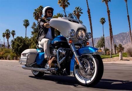 Harley Davidson Electra Glide Revival 2021 1