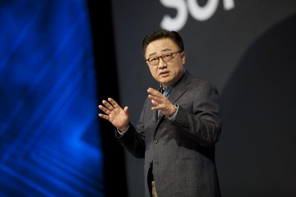 El Samsung™ Galaxy™ S10 poseera fundamentales intercambios en el diseño: así lo reafirma DJ Koh, CEO de Samsung™ Mobile